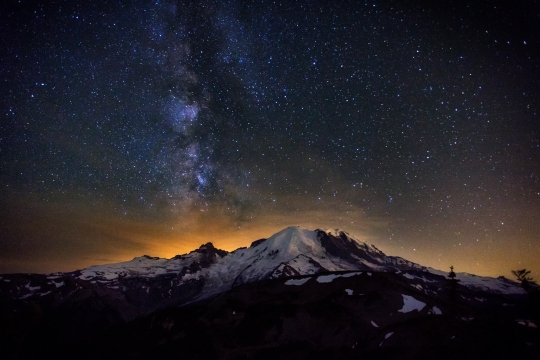 The-Milky-Way-over-Mt-Rainier-by-Michael-Matti
